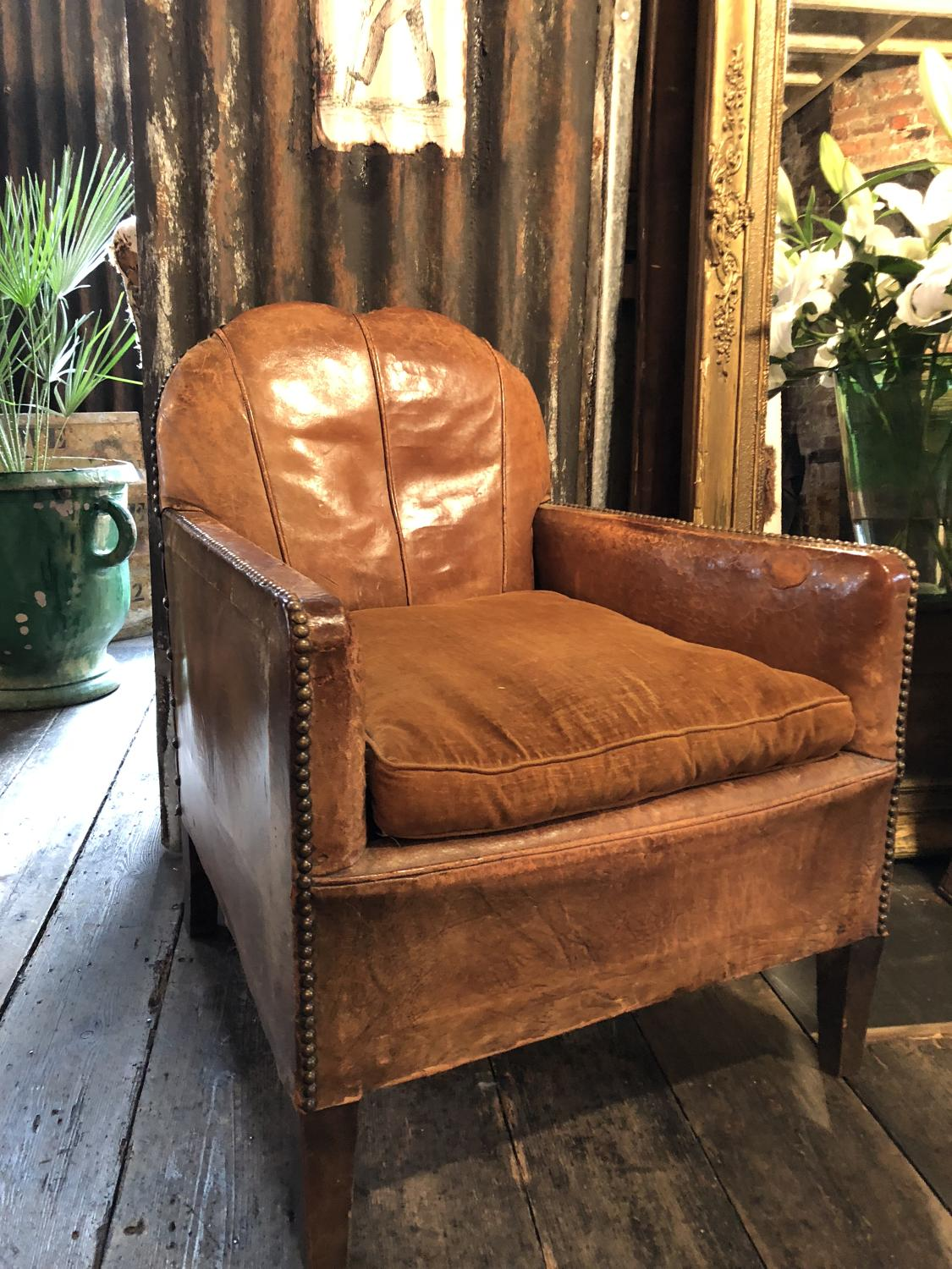 ... Exquisite Pair Of Small French Club/salon Leather Chairs C 1900    Picture 3 ...